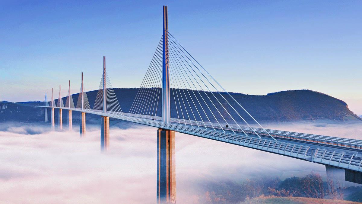 France fog Millau-viaduct