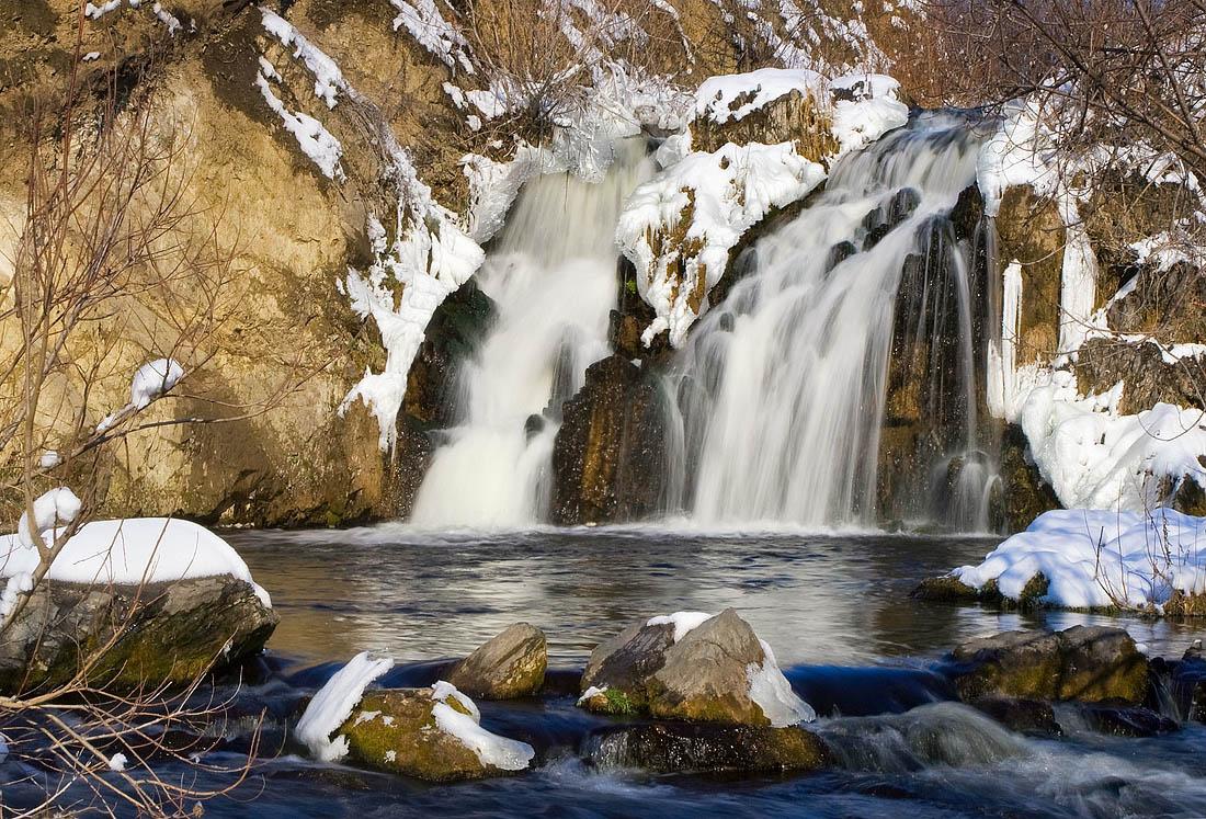 Беловский водопад зимой