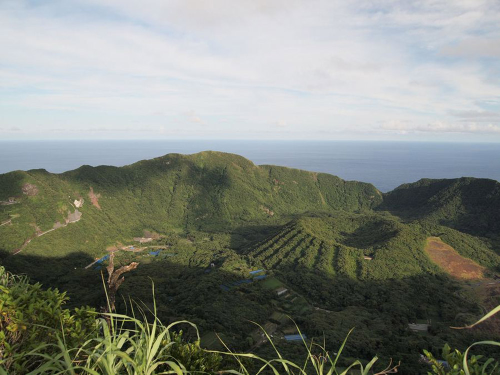 Вулканический остров аогашима в