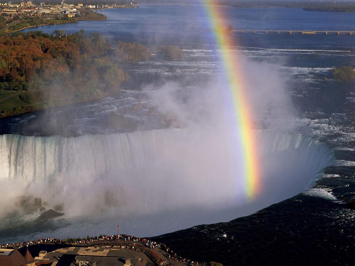 Ниагарский водопад природная