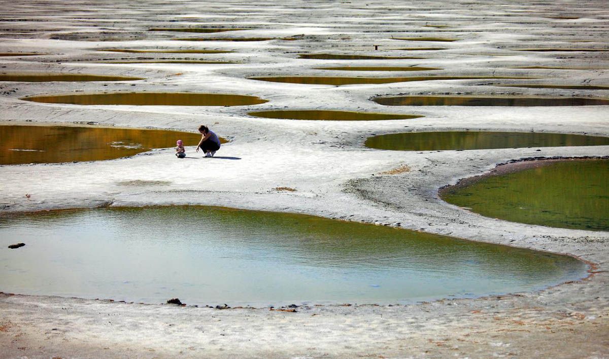 Пятнистое озеро в Канаде