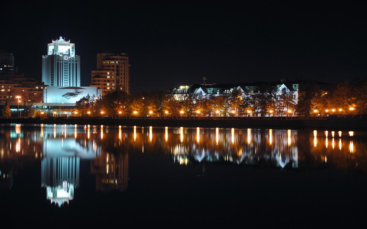 река Исеть, Екатеринбург, ночь