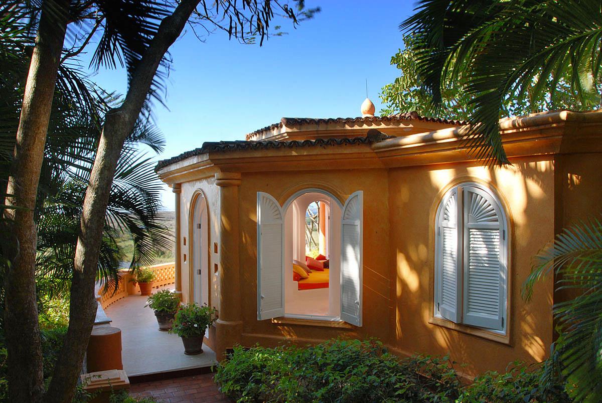 экоотель в Eco Luxe Resort Cuixmala, Мексика