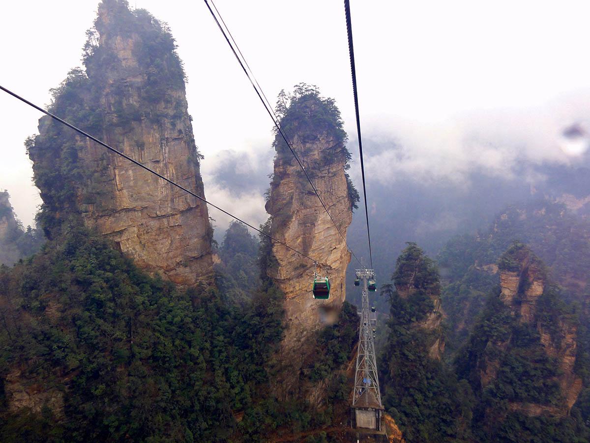 канатная дорога в нацпарке Тяньмыньшань
