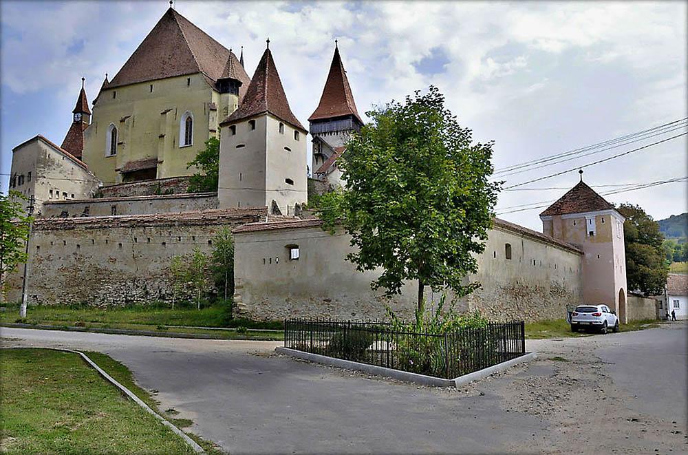 церковь-крепость Бьертан, Румыния