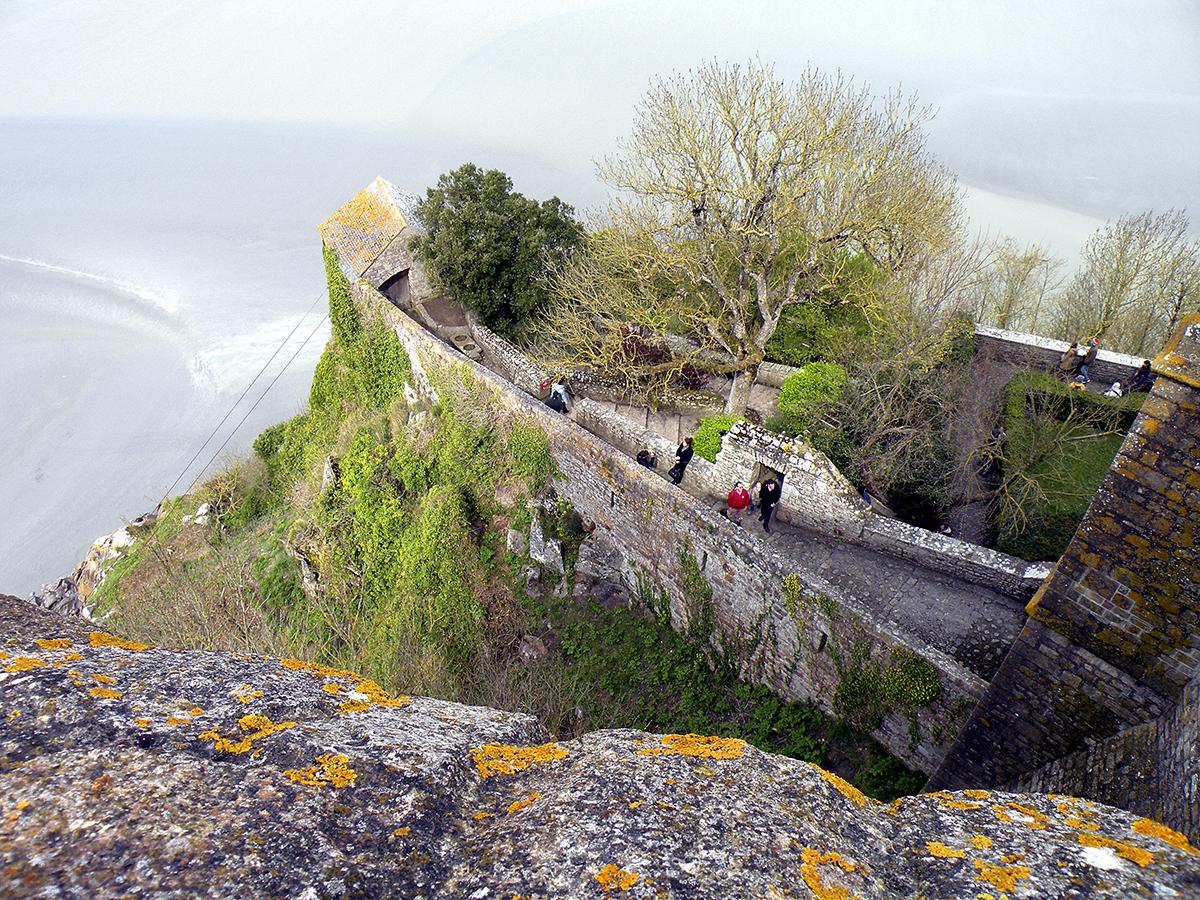 Остров гора над ла маншем во франции