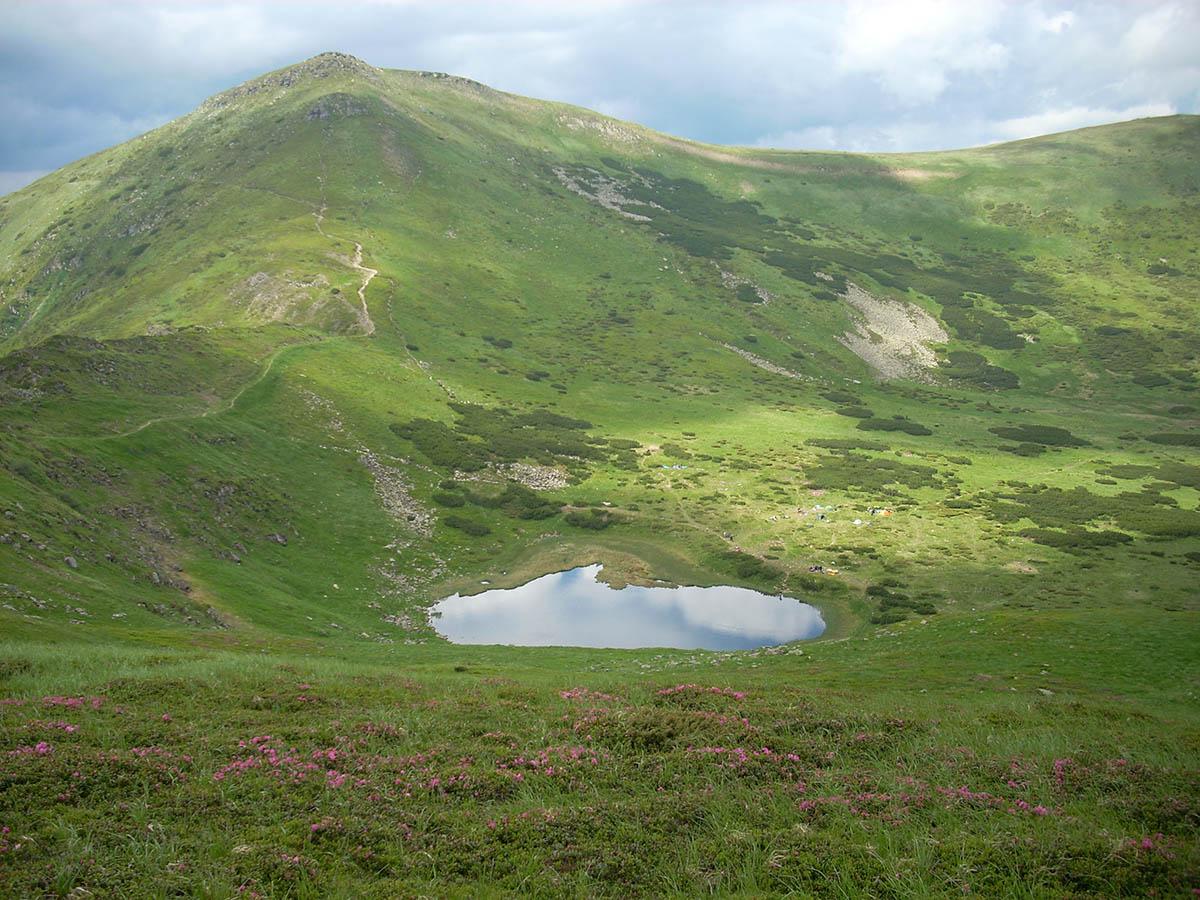озеро Несамовите, вид с высоты