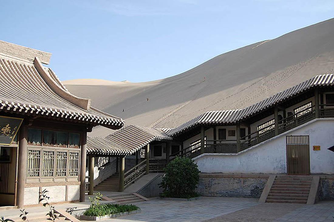 озеро Юэяцюань, пустыня Гоби, Китай