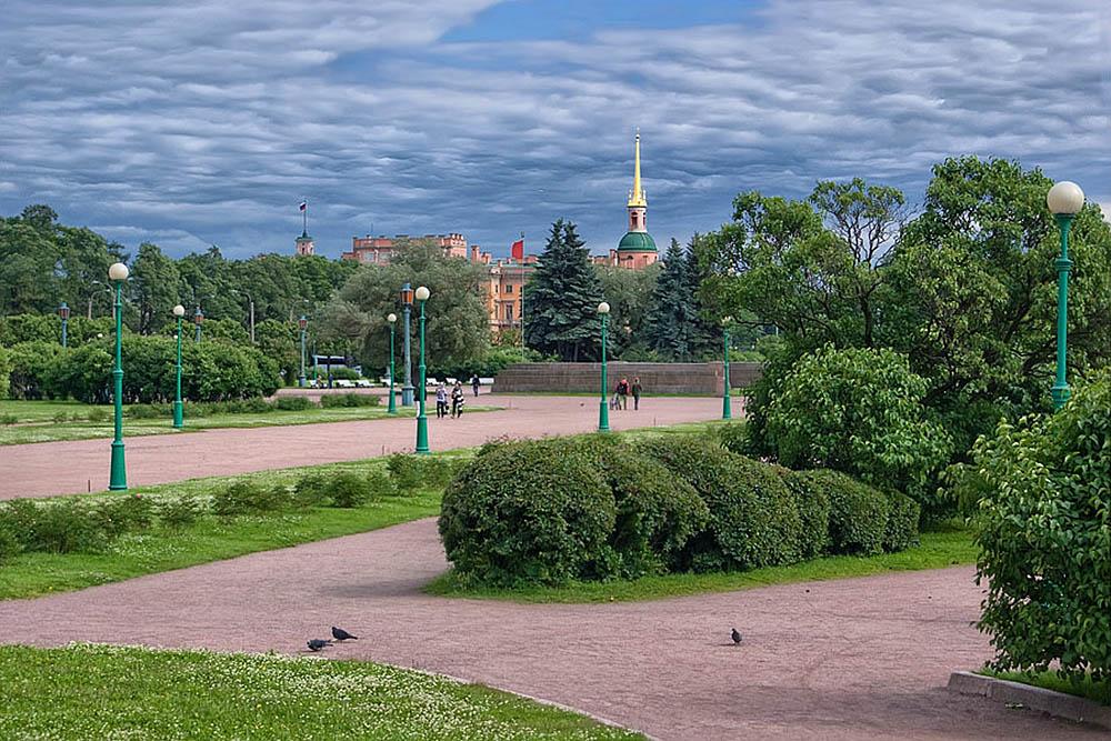 парк Марсово поле в Санкт-Петербурге