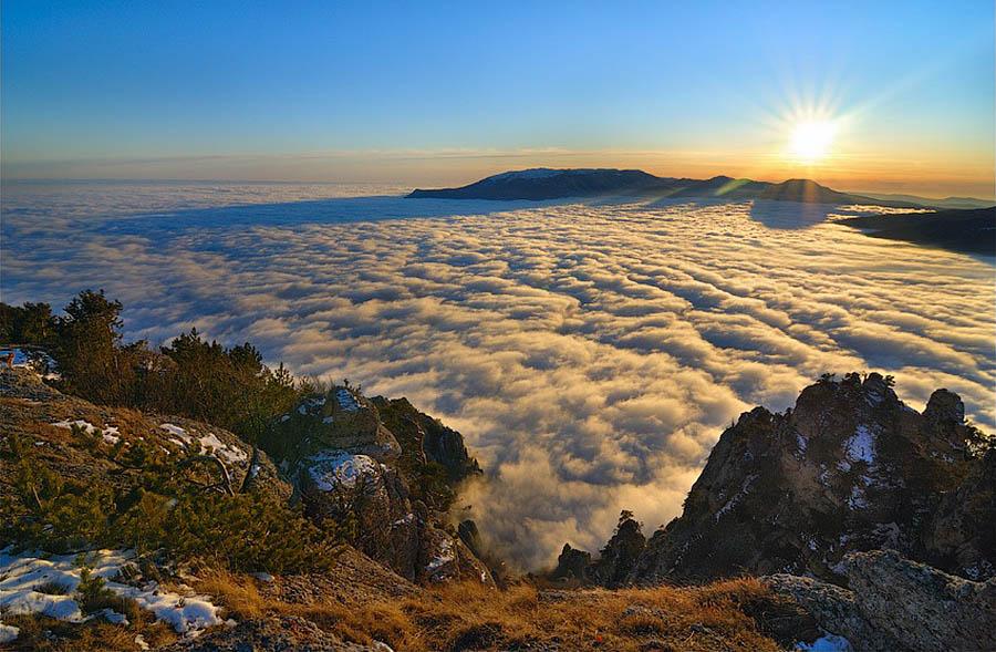 http://eco-turizm.net/wp-content/uploads/2013/04/vid-s-goryi-Demerdzhi.jpg