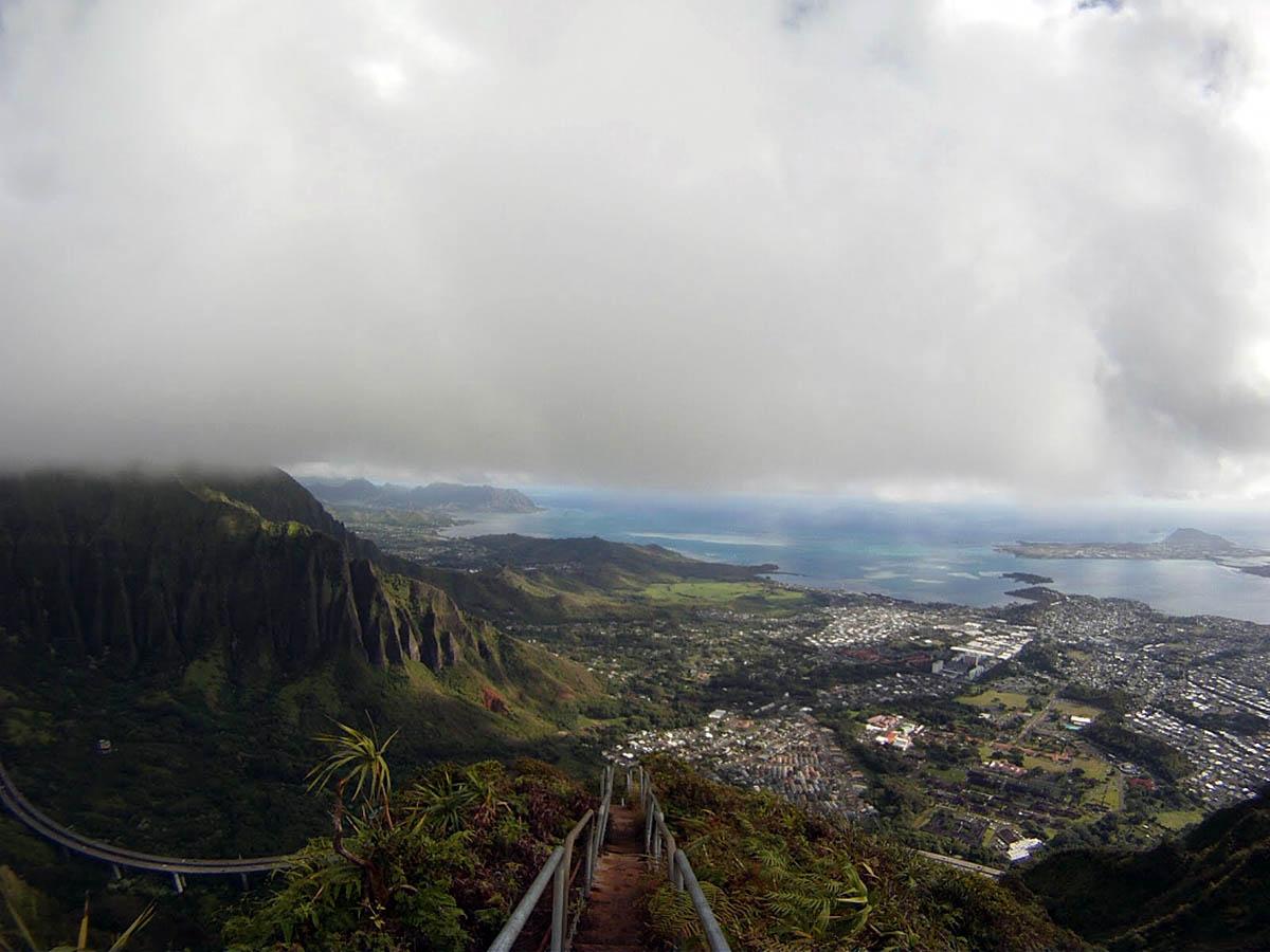 вид с лестницы Хайку, Гавайи