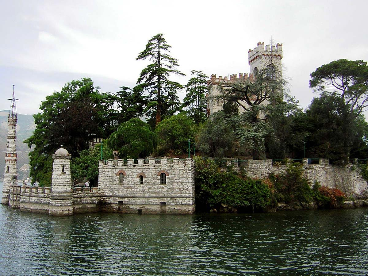 Isola di Loreto, Izeo lake, Italy