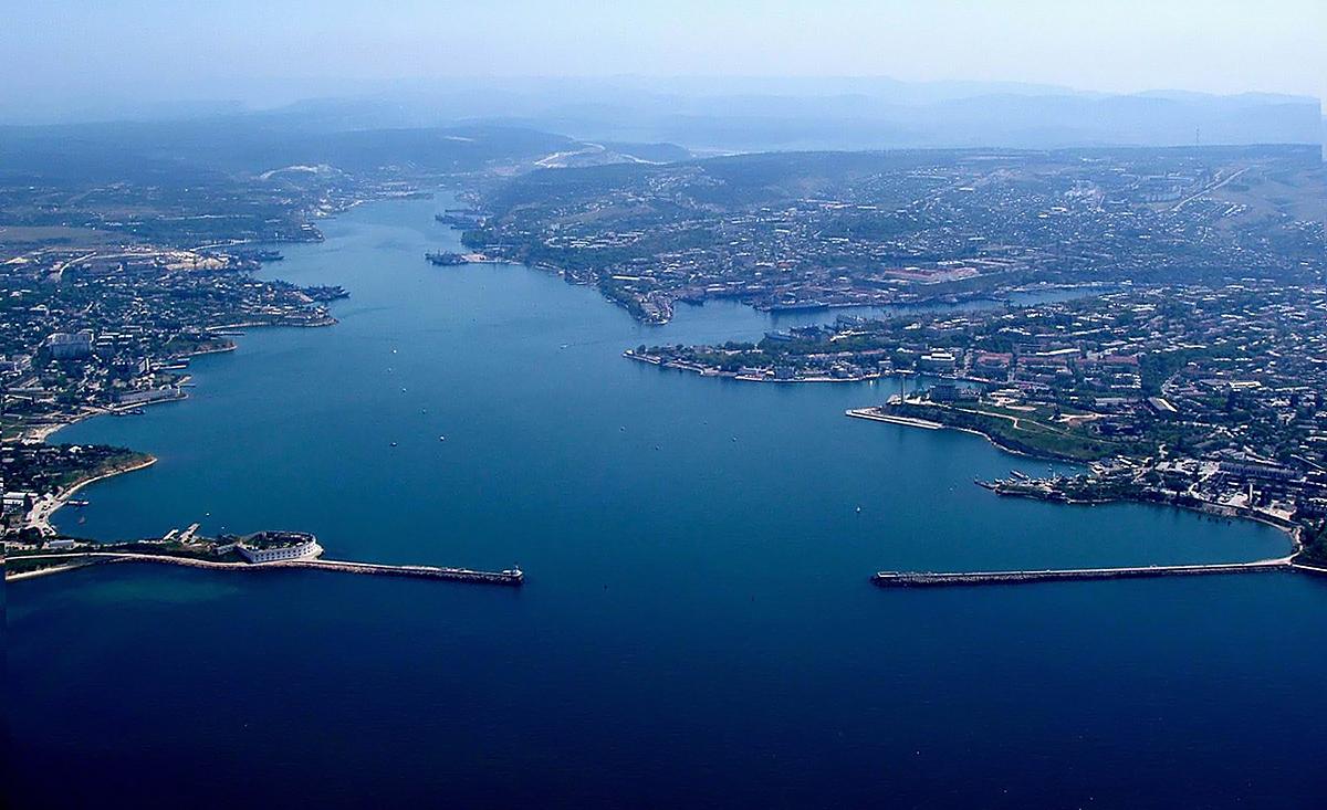 Севастопольская бухта, вид с высоты