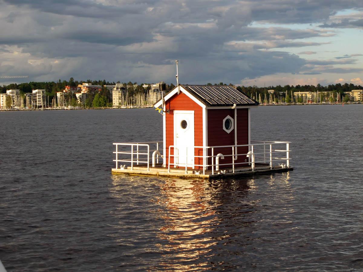 Солнце, воздух и вода: пять подводных отелей мира