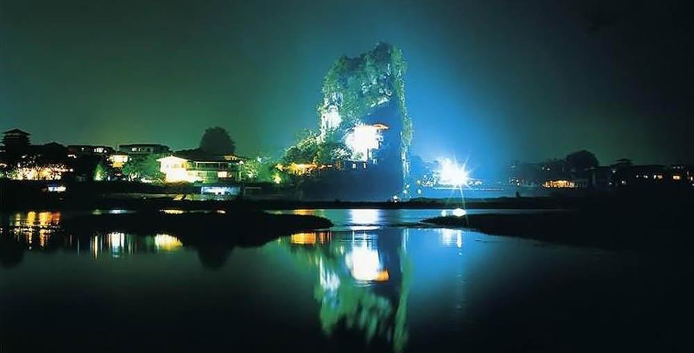 гора Фубошань ночью