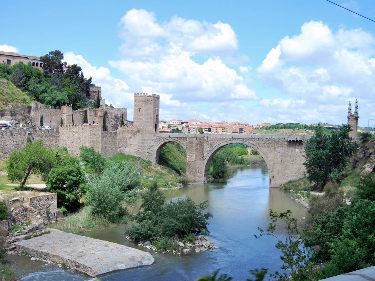 мост Алькантара в Толедо