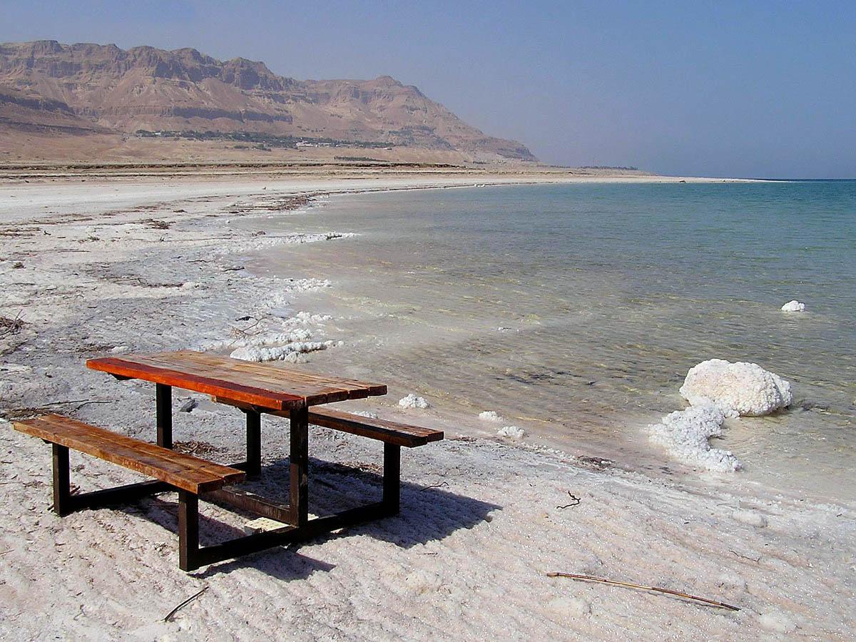пляж Мертвого моря в Эйн-Геди