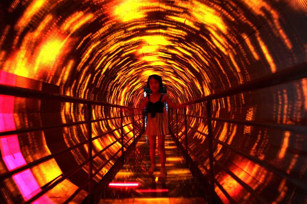туннель, где проверяют склонность к головокружению