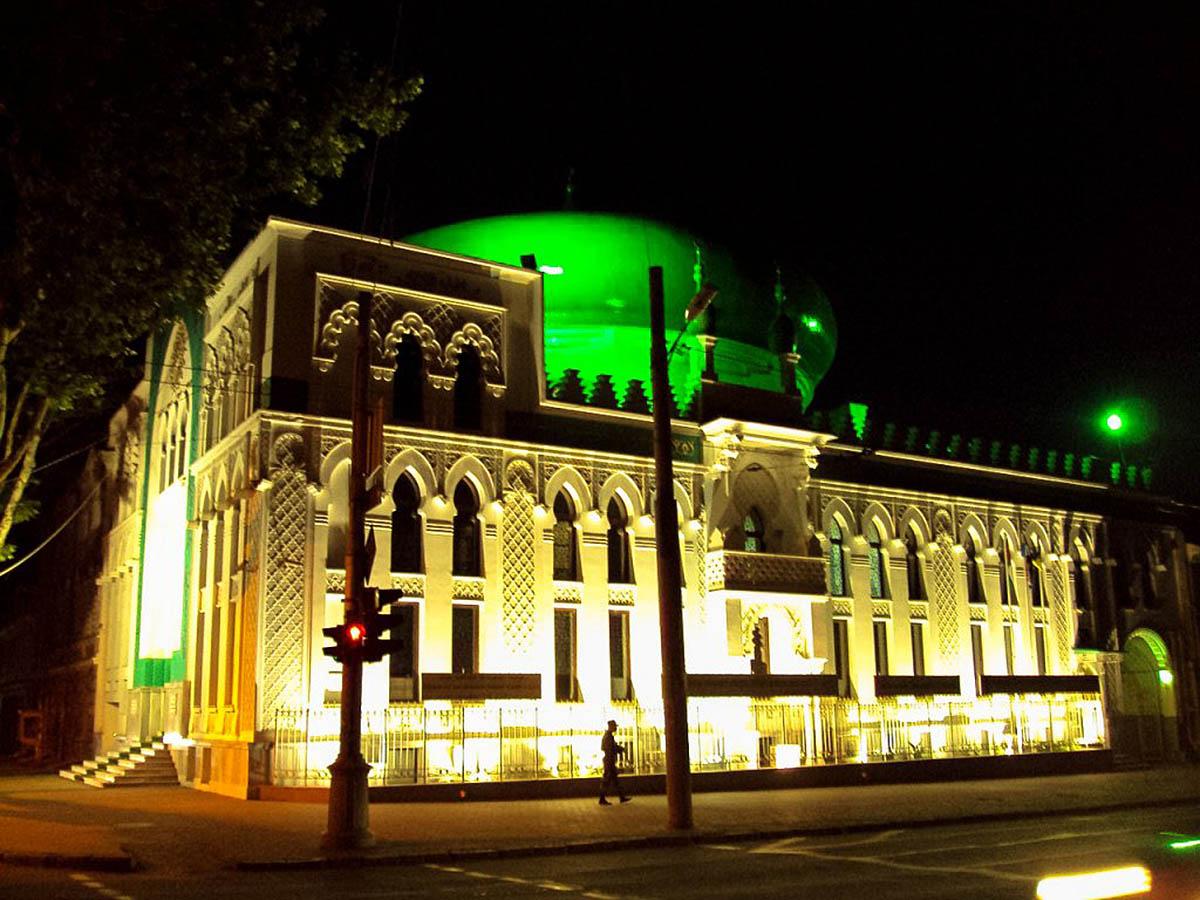 Арабский культурный центр в Одессе ночью