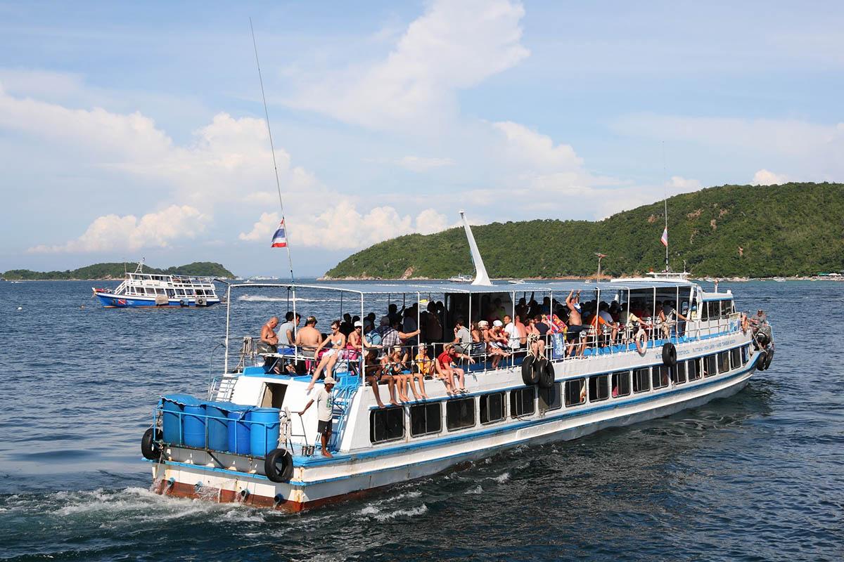 Pattaya, Koh Larn ferry