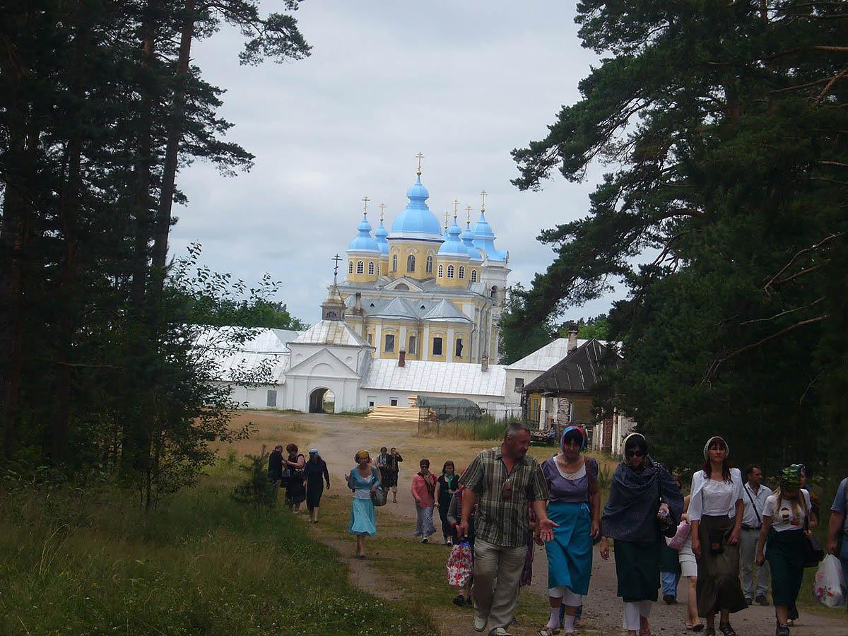 Рождество-Богородичный монастырь, остров Коневец