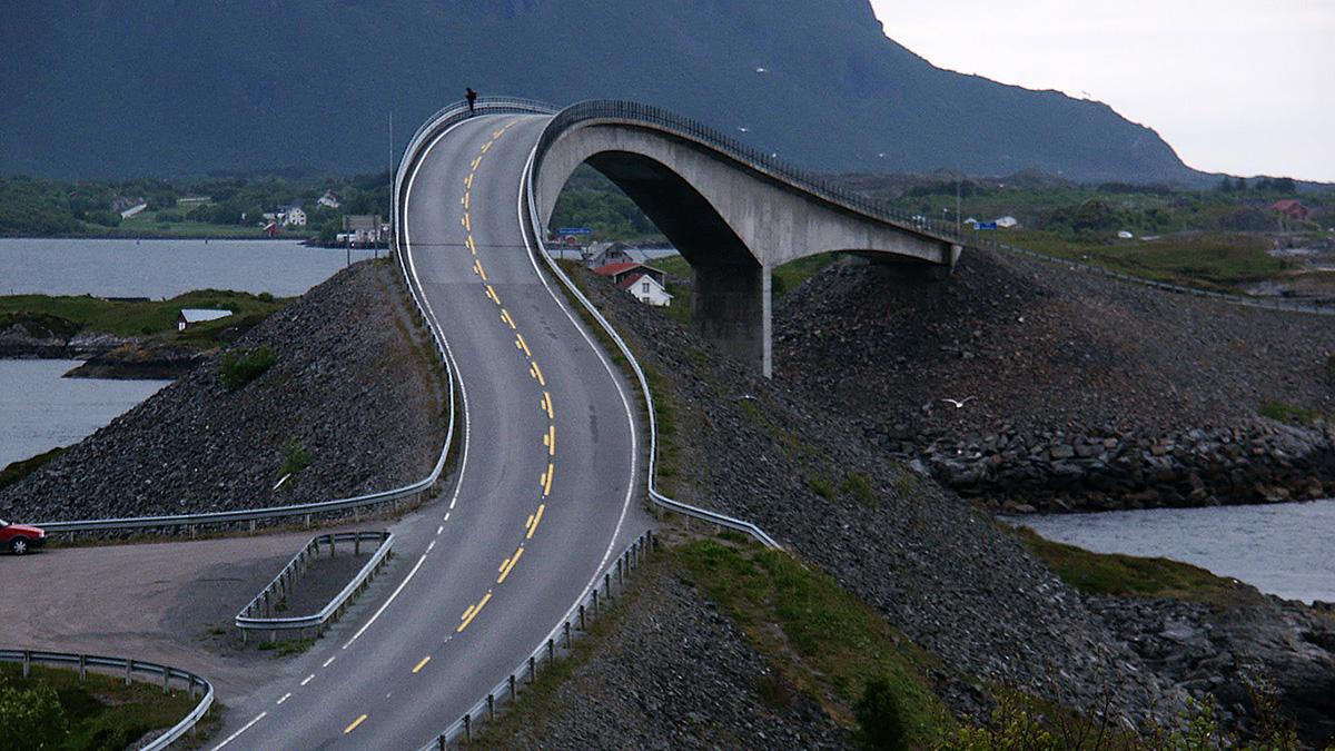 Сторсезандетский мост на Атлантической дороге в Норвегии