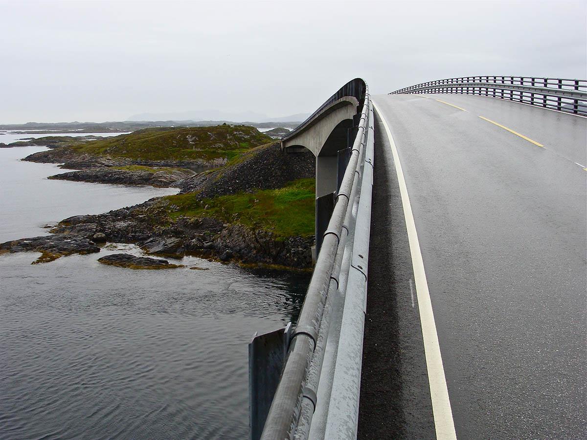 Сторсезандетский мост в Норвегии
