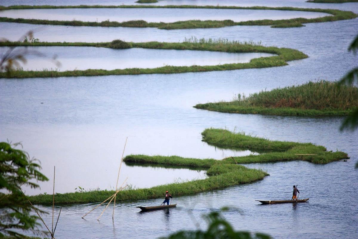 фумди - плавающие острова озера Локтак