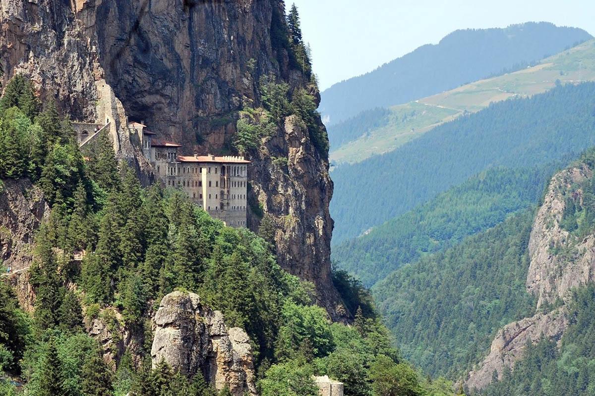 монастырь Сумела Панагия в Турции
