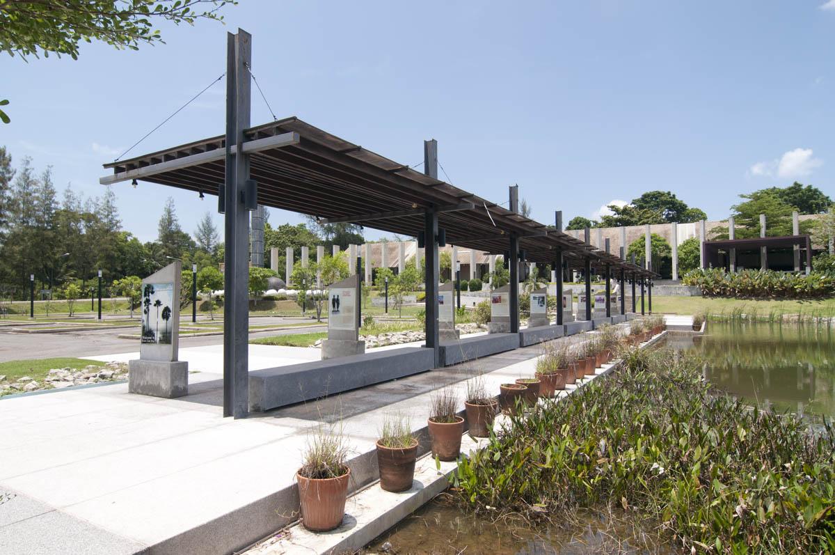 остановка транспорта в Нацпарке Сиринат