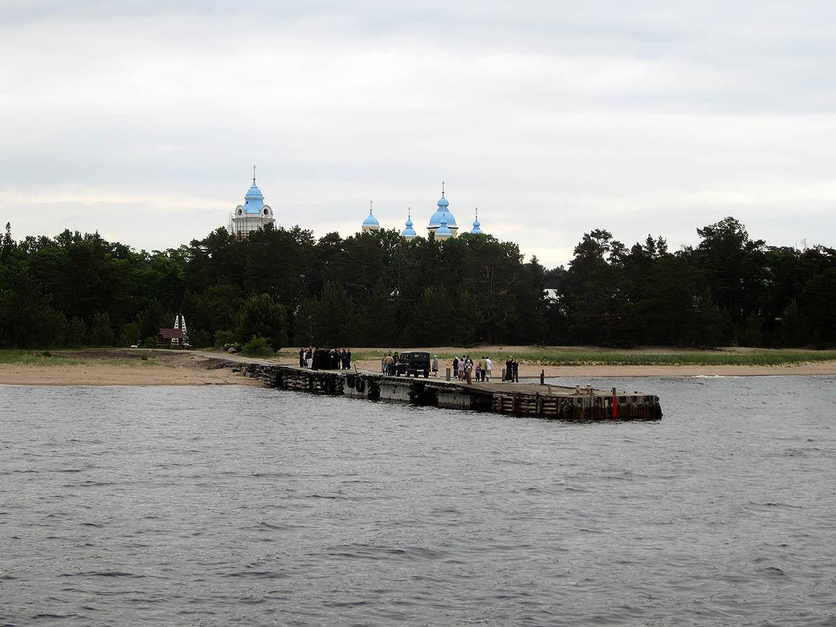 остров Коневец в Санкт-Петербурге