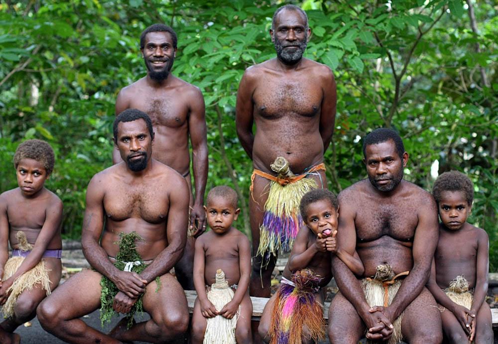 golaya-iz-plemeni-foto