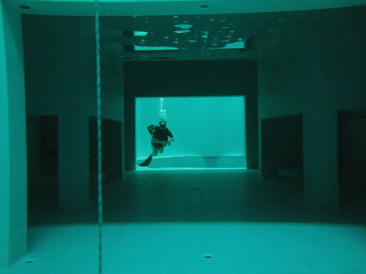 подводные коридоры бассейна Немо 33