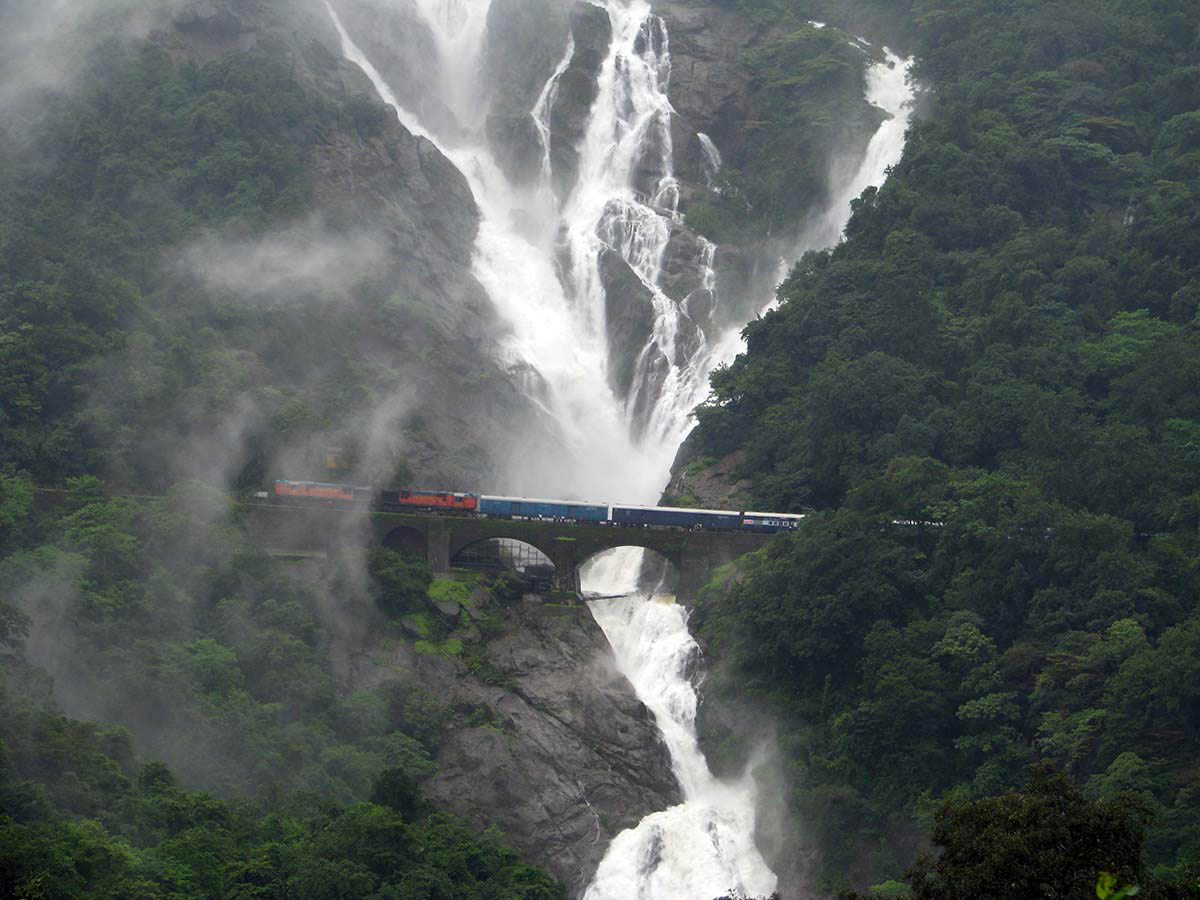 водопад Дудхасар