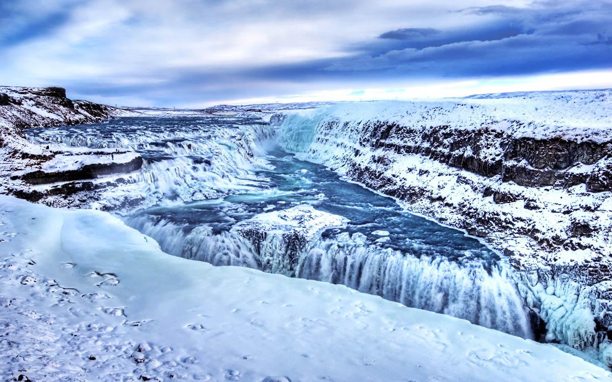 водопад Гюдльфосс зимой, Исландия