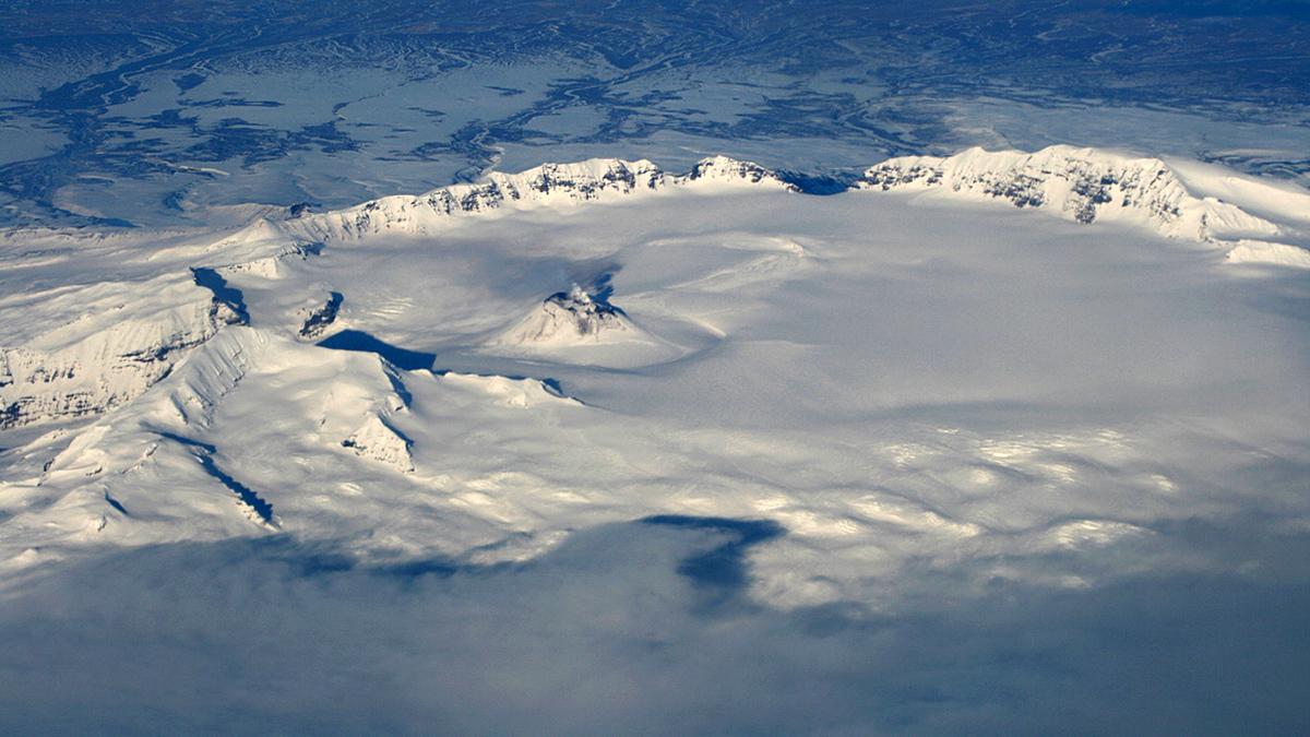 вулкан Вениаминова, Аляска