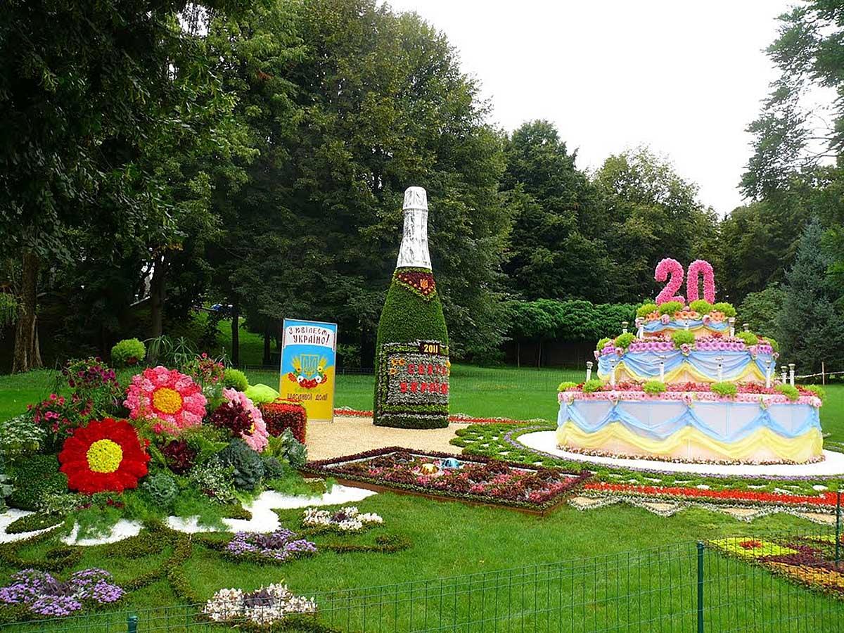 выставка цветов в Певческом поле Киева