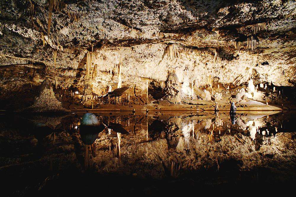 Пунквенные пещеры, подземная река Пунква, пропасть Мацоха