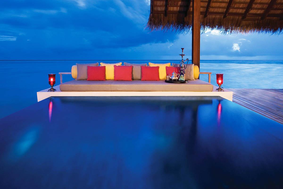 бассейн-инфинити на Мальдивах