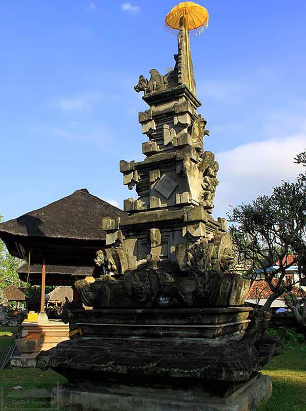 главное святилище у храма Пусеринг Джакат, Бали