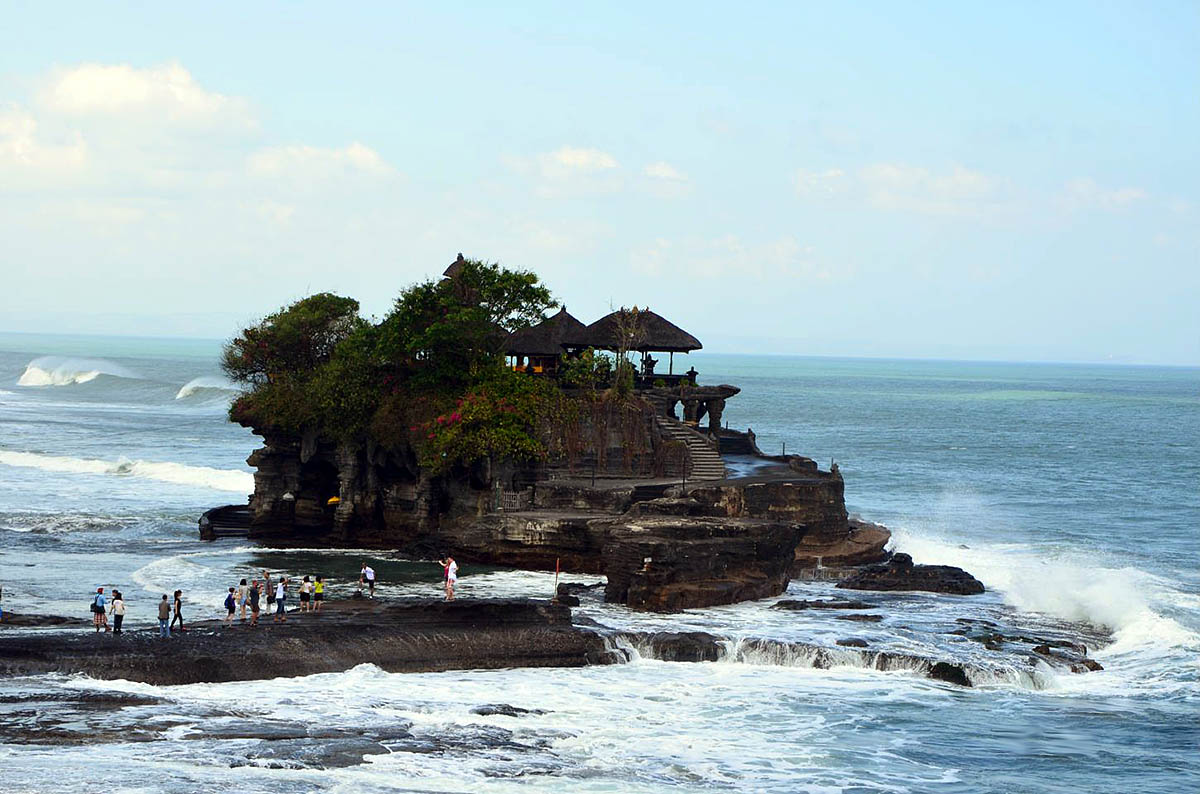 храм Пура Танах Лот, Бали, Индонезия