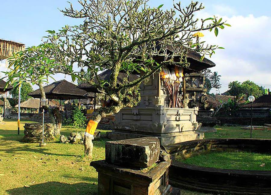 храм Пусеринг Джакат, Бали