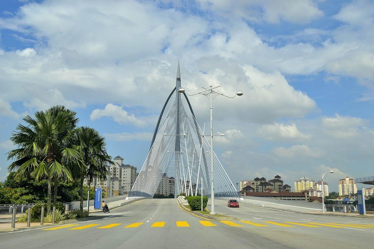 мост в Путраджайя
