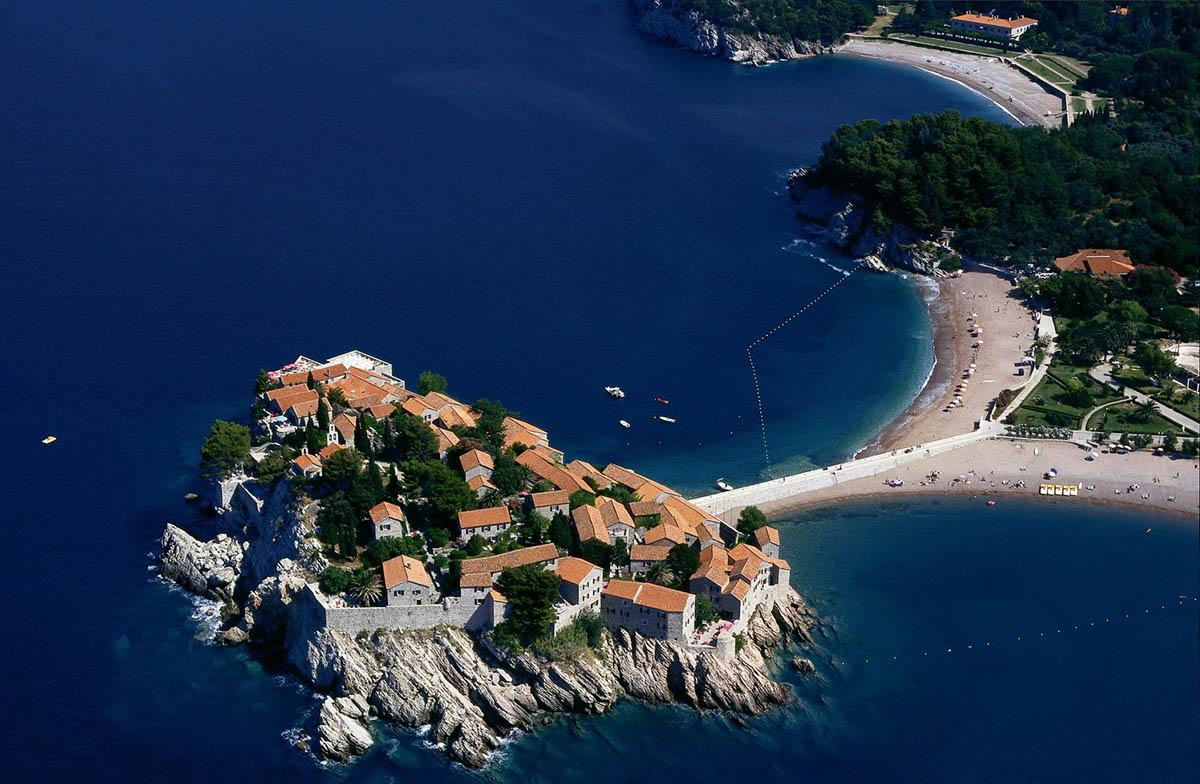 остров Свети Стефан с высоты