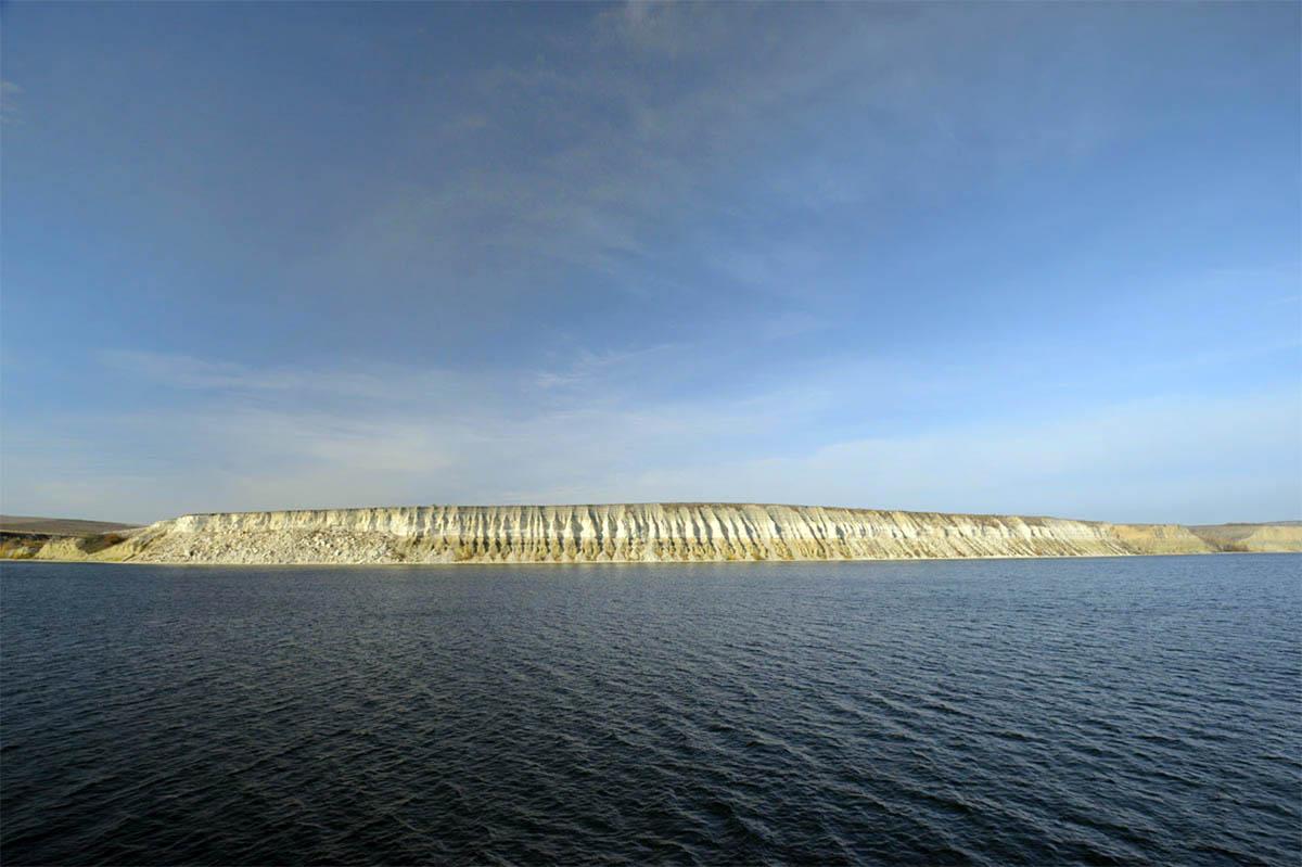 вид на Столбичи с Волгоградского водохранилища