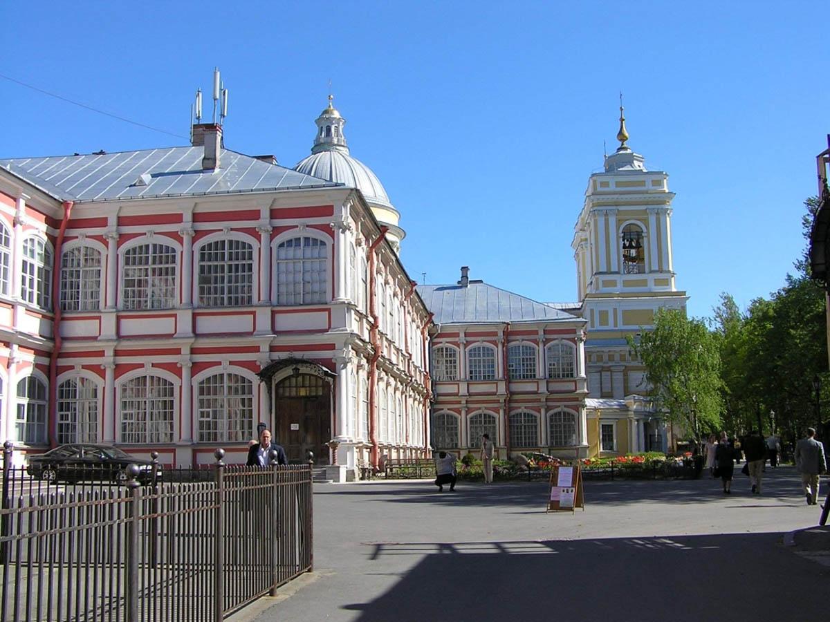 Свято-Троицкая Александро-Невская Лавра в Санкт-Петербурге