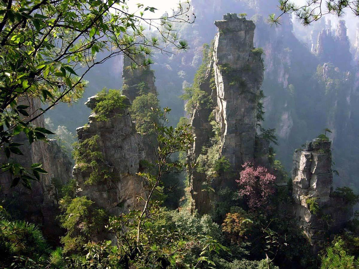 гора Учжишань, остров Хайнань, Китай