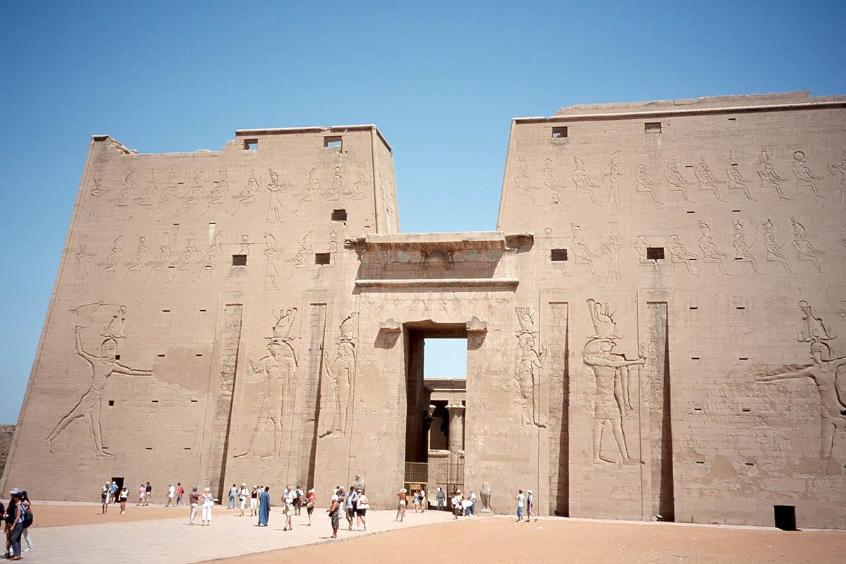храм Эдфу, Египет