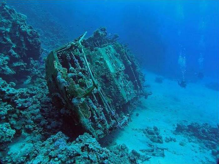 неизвестная яхта в Египте