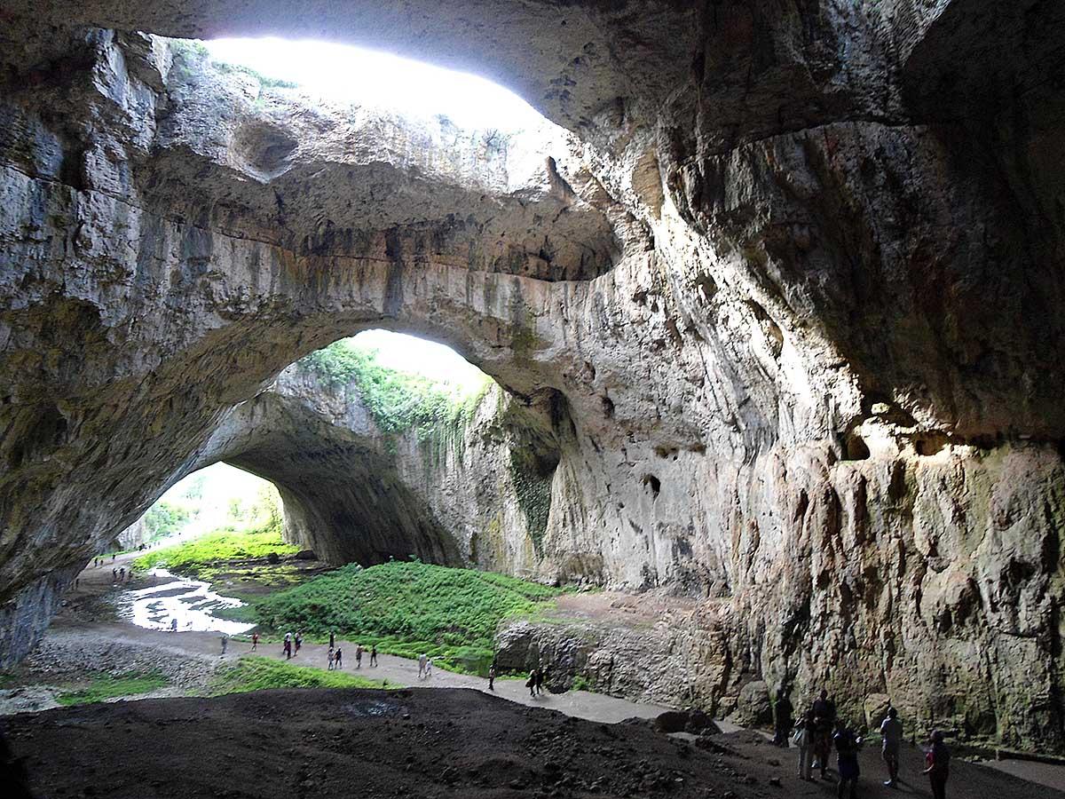 пещера Деветашка в Болгарии